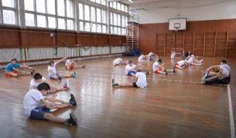 ПРОФЕСОРИ ФИЗИЧКОГ: Вежбање за време одмора неодговорно!