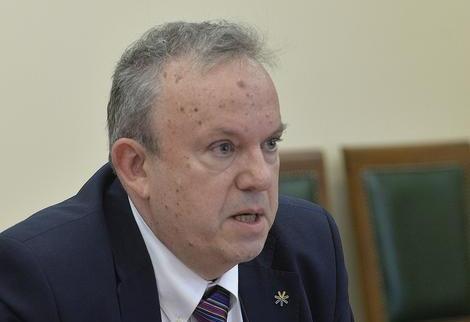Директор Петнице: Школство служи за добијање државног посла
