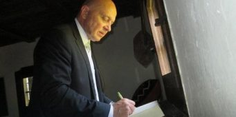 Вукосављевић: Без употребе ћирилице, одрећи ћемо се културног идентитета