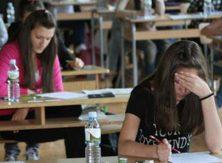 ОСМАЦИ МОГУ ДА ОДАХНУ Наставници раде завршни испит уместо њих
