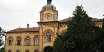 Kоме смета Kарловачка гимназија?
