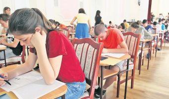 Због преправљања тестова одговорни и начелници школских управа