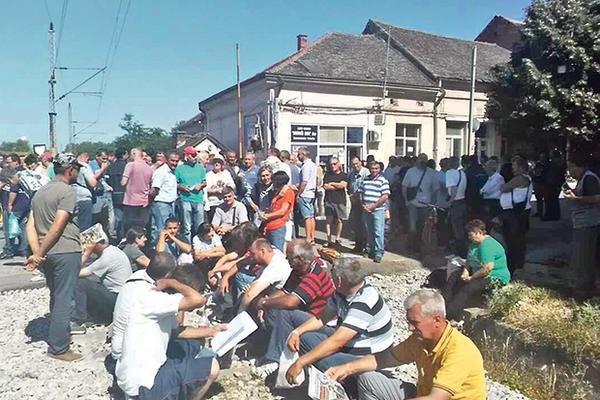 Немоћни после 101 дана протеста: Радници Гоше очајни, ступају у штрајк глађу