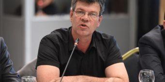 Синдикати не желе нови закон о платама у јавној управи