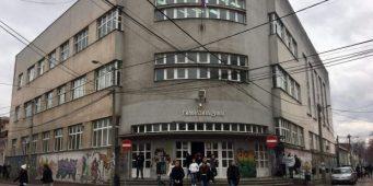 Масовна туча у гимназији у Нишу