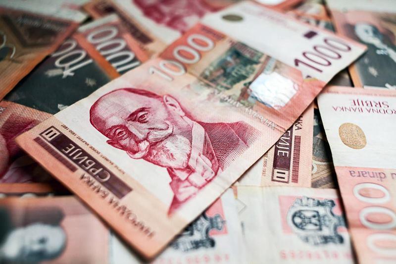 Повећане плате и пензије: Стижу дебље коверте