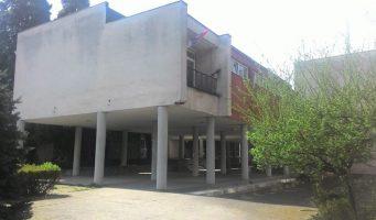 Министарство просвете признало грешку. У XII београдску гимназију стигло ново Решење о именовању в.д. директора