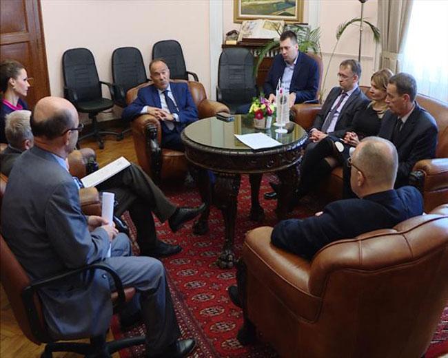 Шарчевић посетио Електротехничку и Економску школу у Нишу