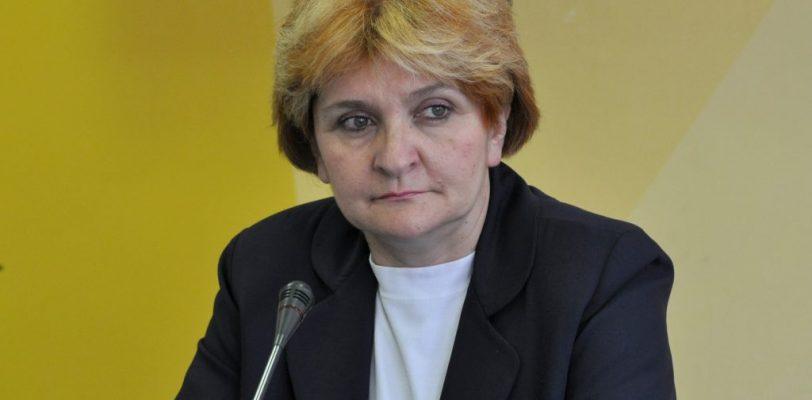 Професорка лечи тумор српског друштва