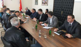 Шарчевић разговарао са представницима синдиката просвете