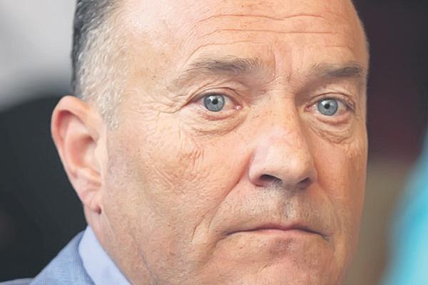 Инцест траума центар поново траумира министра Шарчевића