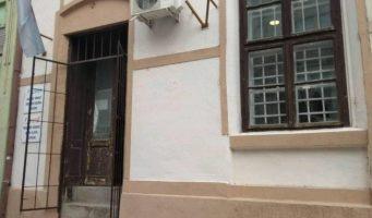 Полупани прозори на просторијама НСПРВ-а