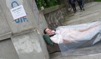 Зоран Буљугић незадовољан предлогом Министарства просвете наставио штрајк глађу